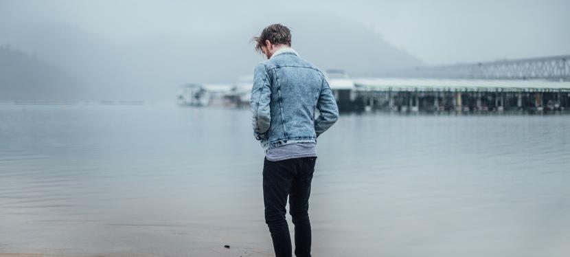 10 Señales de que Estás Saliendo con una Persona EmocionalmenteIndisponible